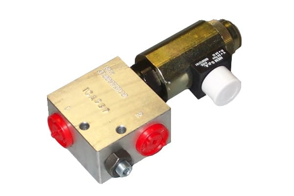 Flow regulator valves with electric control - normally closed version